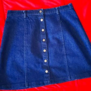 Denim skirt,size s,nwot